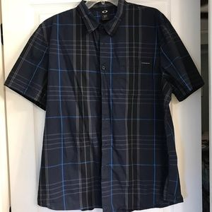 Oakley Men's button up